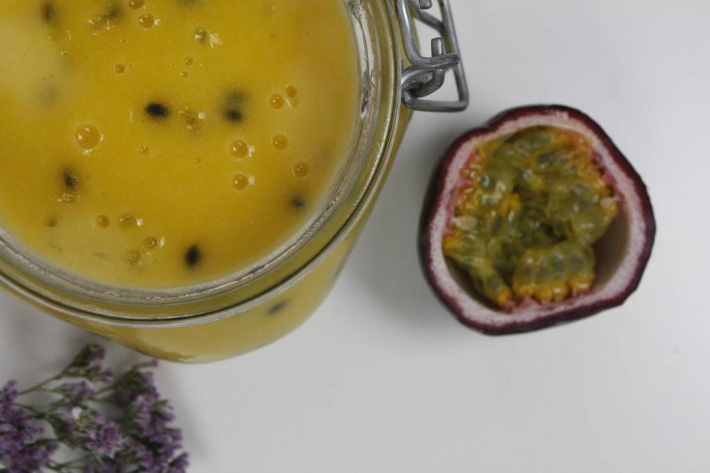 passionfruit curd delliedelicious