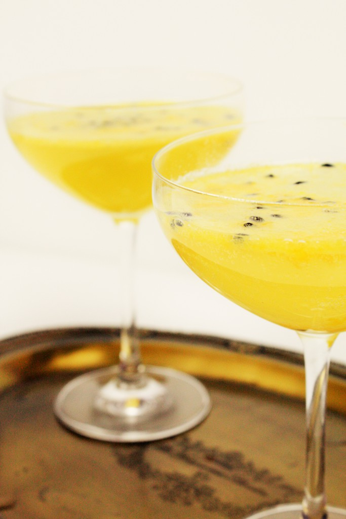 passionfruit ice cubes champagne drink delliedelicious