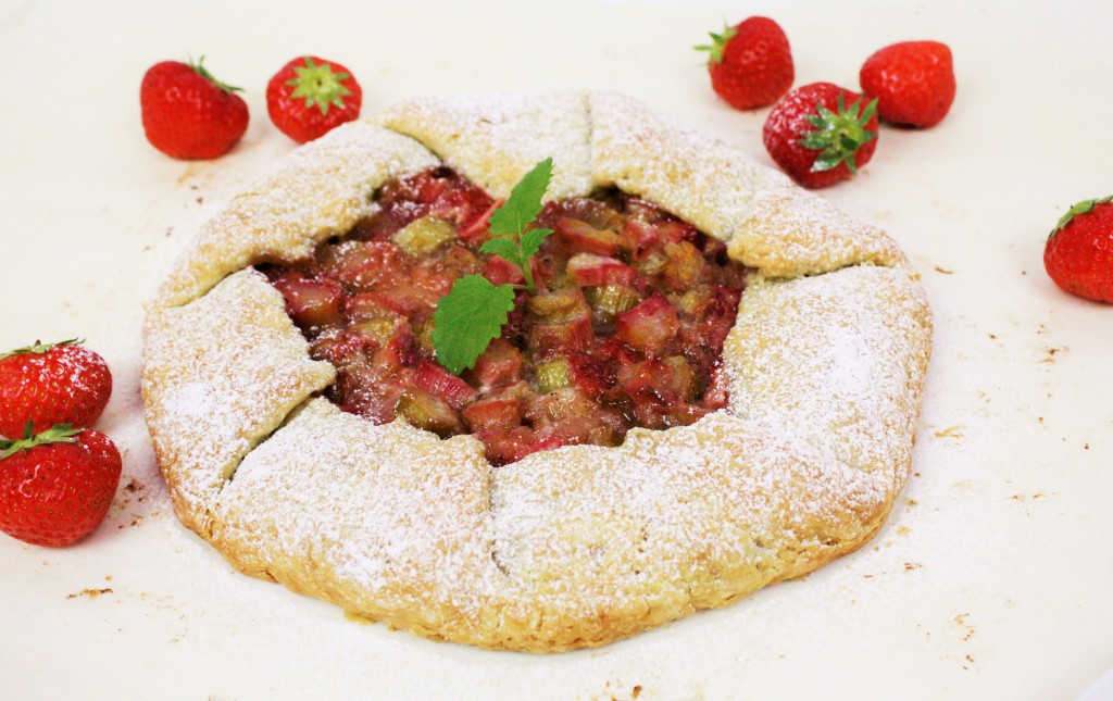 rhubarb galette pie strawberries ginger delliedelicious