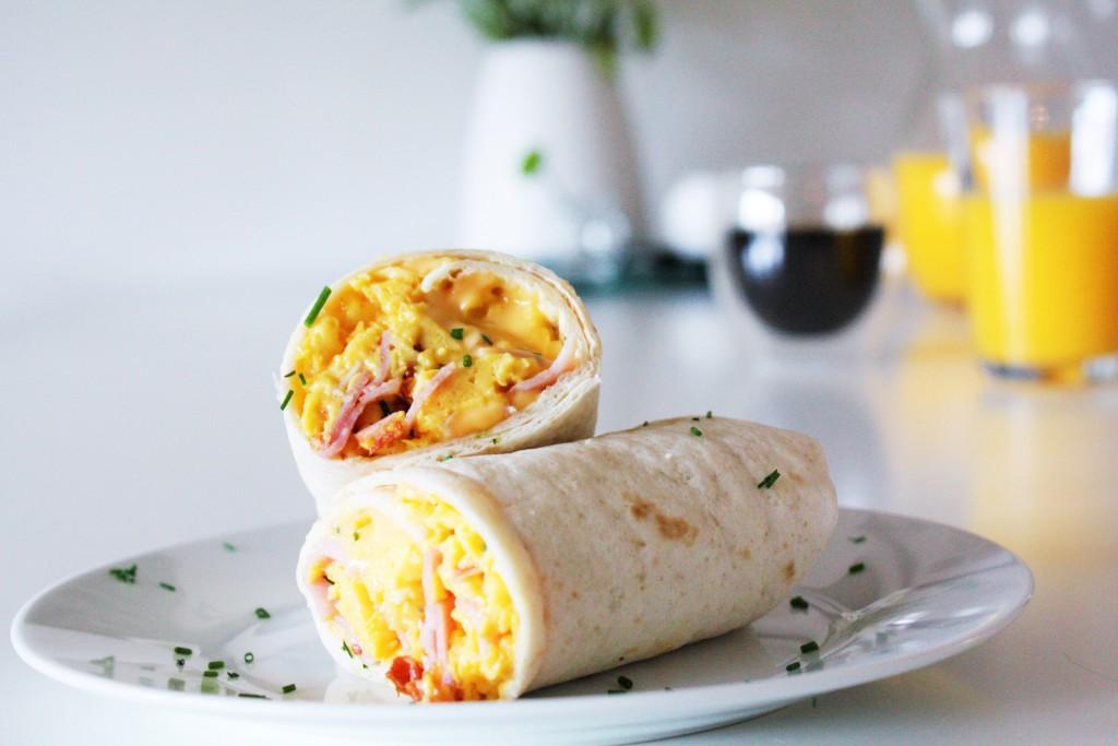 breakfast wrap eggs bacon cheese delliedelicious frukostwrap frokostwrap