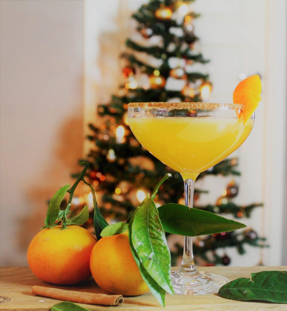 christmas cocktail clementine mandarin ginger cinnamon delliedelicous