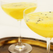 Passionfruit & champagne drink